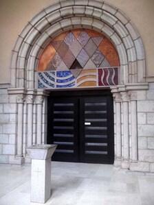 tympan de l'Abbaye de la Pierre qui Vire (Morvan)
