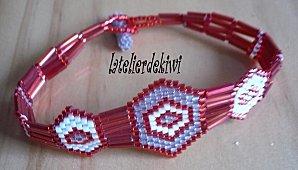 Bracelet rouge métal , gris transparent & crème 2