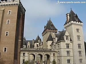 pau-entree-du-chateau
