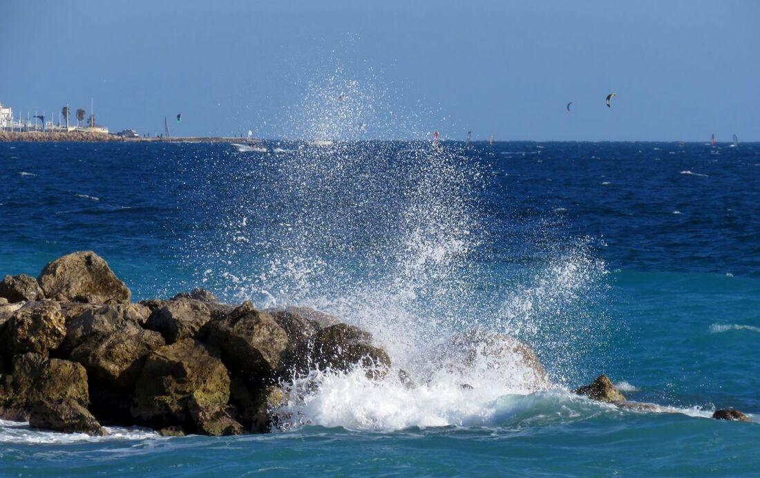 une vague bleue ...