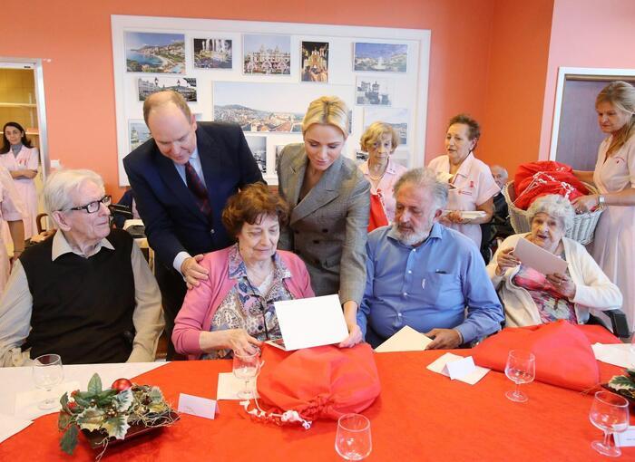 Visite de maisons de retraite, cet après-midi