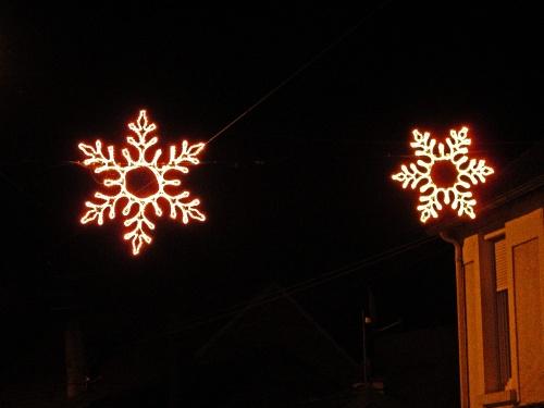 Illuminations de fêtes à Sainte Colombe sur Seine...