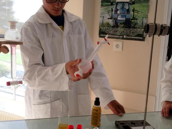 Pendant la Journée de la Science, les élèves de seconde générale et technologique du Lycée de la Barotte ont réalisé des expériences...