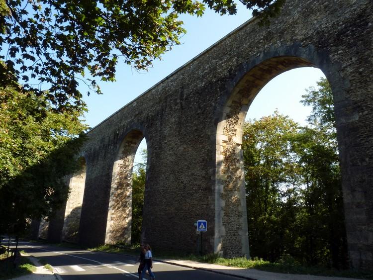 Aqueduc de Buc