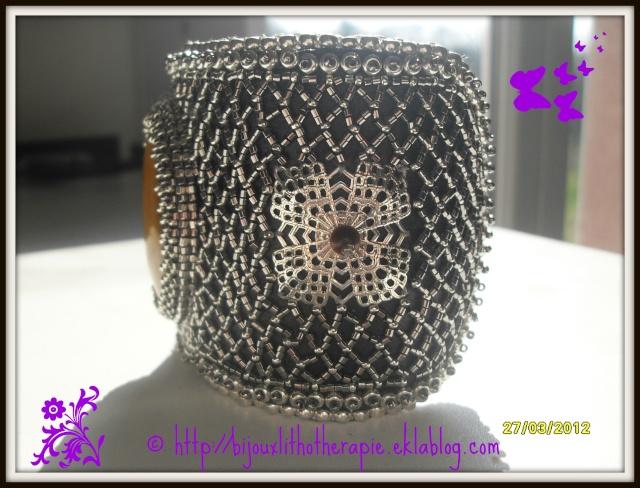 bracelets brodés de perles