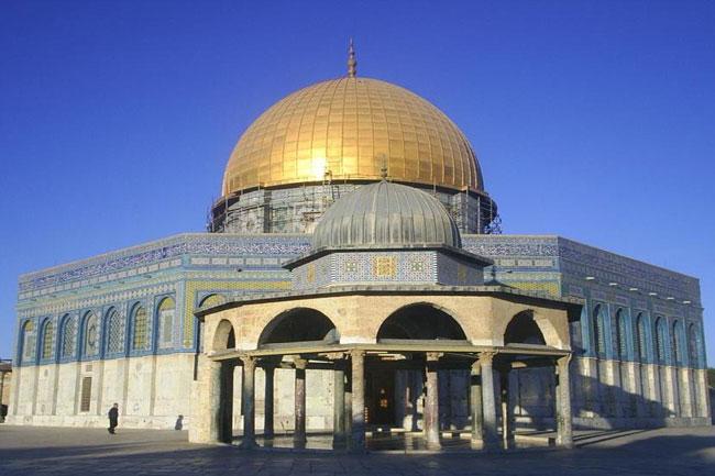 Jérusalem (Al Qods): la ville des trois religions abrahamiques (judaïsme, christianisme et islam).