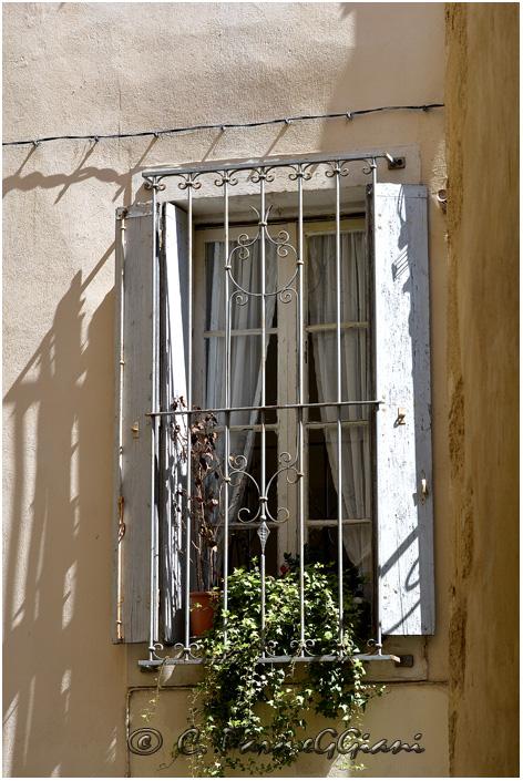 Ombres à la fenêtre