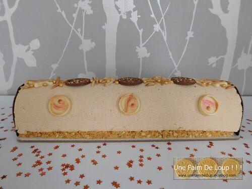 Buche mousse caramel et son insert abricot pomme vanille
