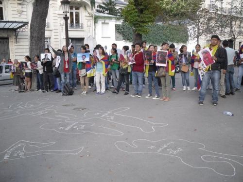 Manifestation à Paris pour presser le gouvernement et les parlementaires français d'agir pour le Tibet