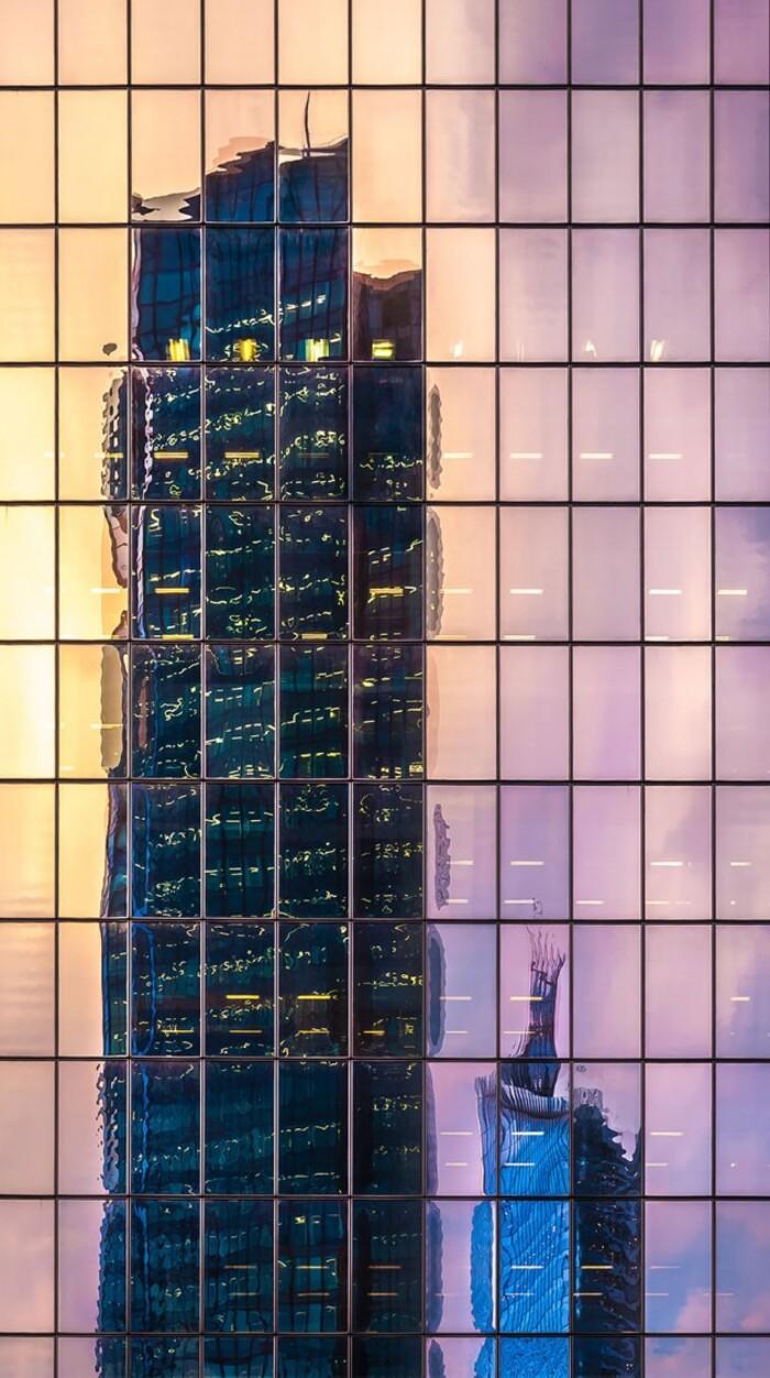 Reflet Gratte-ciels dans un building