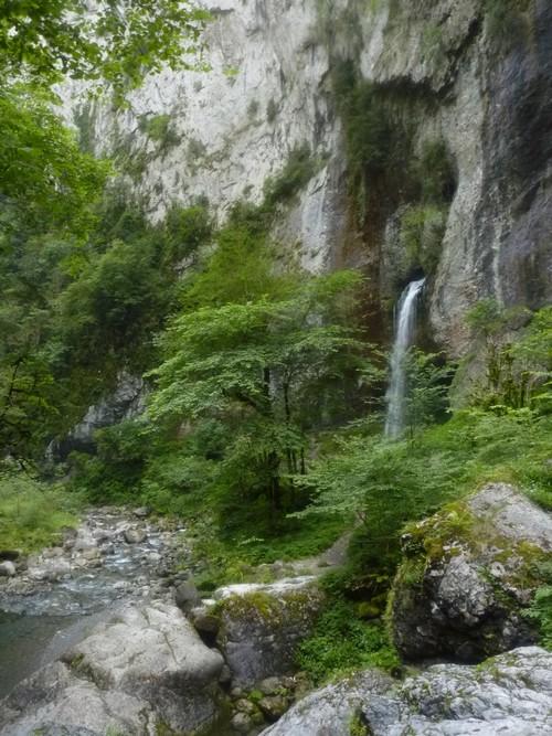 Retour à la cascade