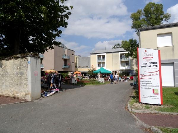Le vide-greniers 2014 de la Maison de la Charme