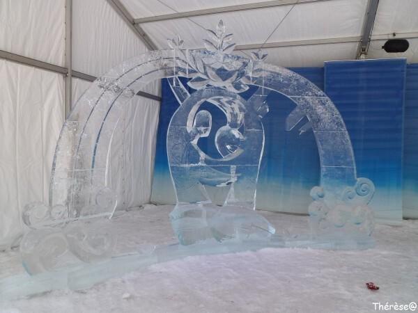 Ottawa sculpture sur glace Le monde du milieu (1)