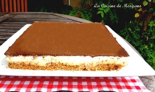 Entremet mousse spéculoos, bavarois vanille et miroir chocolat
