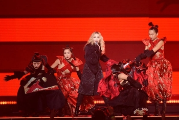 Madonna - Rebel Heart Tour - 2015 10 01 - Detroit, MI, USA (8)