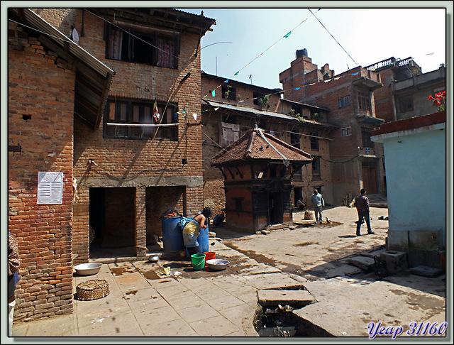 Blog de images-du-pays-des-ours : Images du Pays des Ours (et d'ailleurs ...), En se promenant dans le village encore calme de Bungamati - Népal