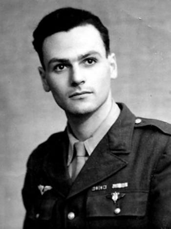 * Pierre Simonet, Compagnon de la Libération, a été élevé à la dignité de Grand'Croix de la Légion d'Honneur.
