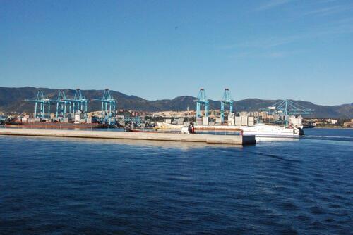 Toujours au Port