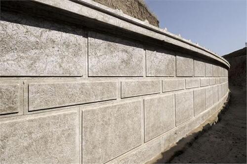Amphipolis : les fouilles continuent