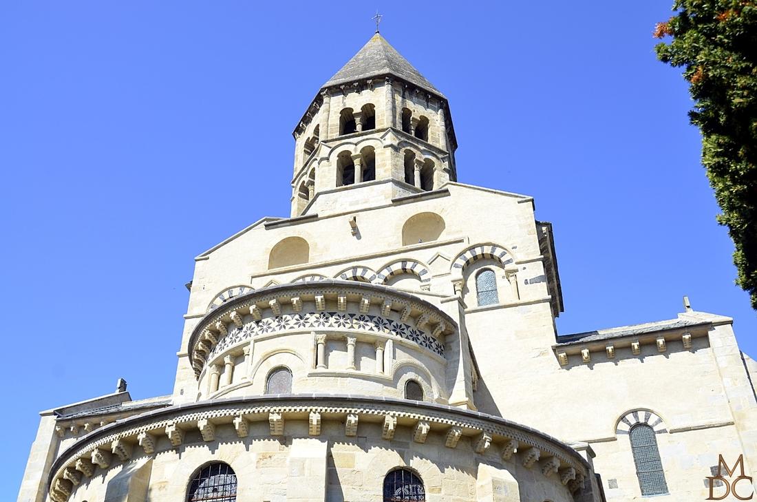 Église romane Saint-Saturnin (63) Puy-de-Dôme