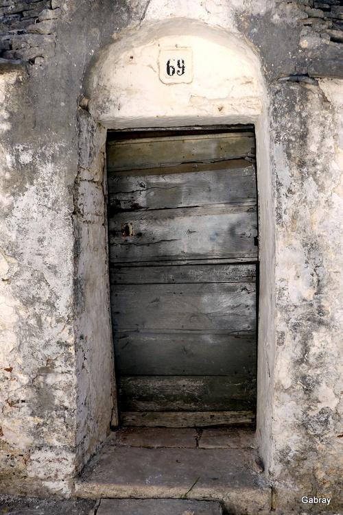 Italie: Alberobello(trulli)… n 1