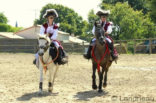 les demoiselles aux oiseaux - 25 ans du poney club yonnais