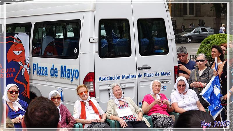 """Je ne peux quitter la Place de Mai sans revenir aux """"Madres de la Plaza de Mayo"""" tellement ce combat pour la vérité est émouvant - Buenos Aires - Argentine"""