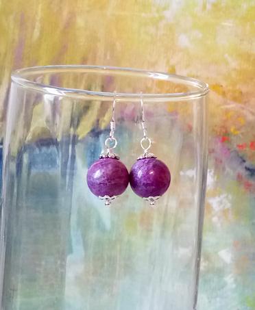 Boucles pendantes mauves pierre de Purpurite boules 12mm, supports hameçons Argent 925 Purple purpurite stone earrings on sterling silver french hook