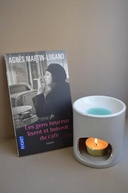 ~ Les gens heureux lisent et boivent du café - Agnès Martin-Lugan ~