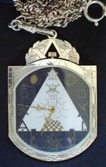 * Approche du symbolisme des bijoux maçonniques