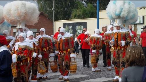 La ducasse de Beaurains, son défilé carnavalesque et son feu d'artifice c'est de week-end.