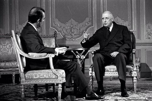 De Gaulle est élu président de la République