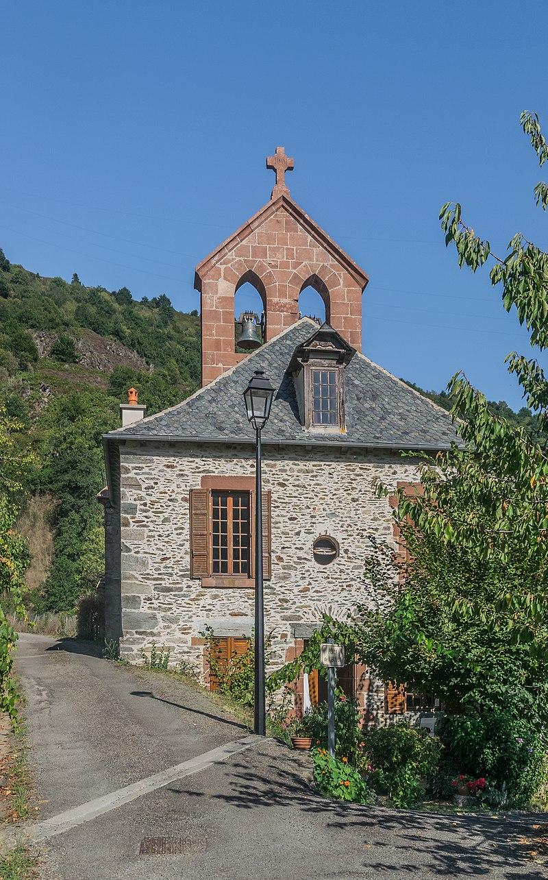 Church Saint-Projet in Cassaniouze 02.jpg