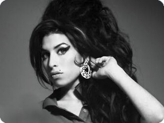 Amy Winehouse: paint it black