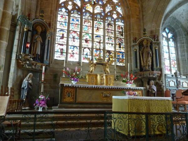 Locronan (le choeur de l'église)