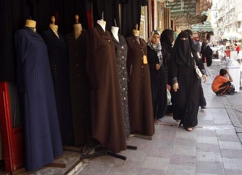 نساء غزة لسن بحاجة لفرض الحجاب با