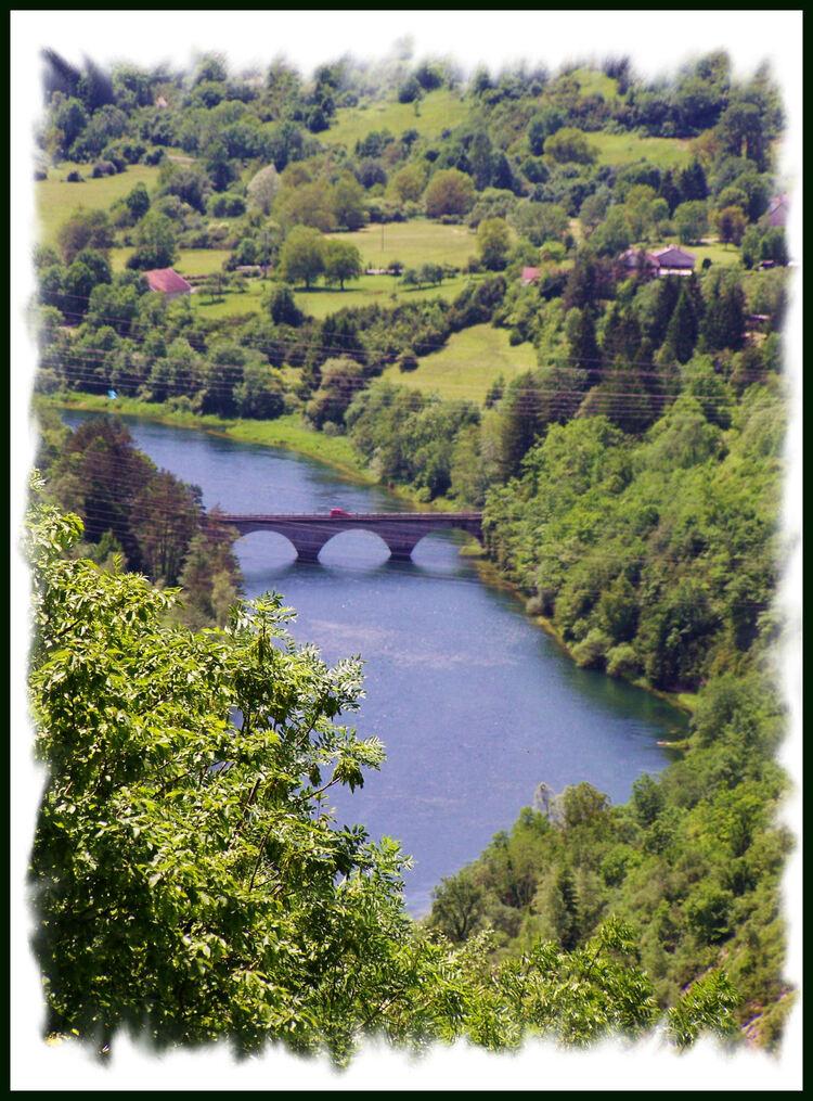 Le  Lac et le Barrage de Vouglans ( 39 France -comté )