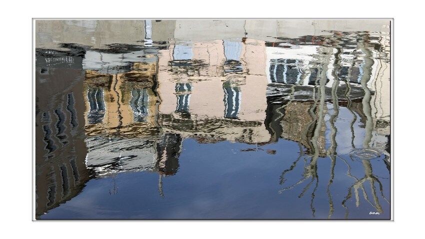Juste reflets (Narbonne-canal du midi)