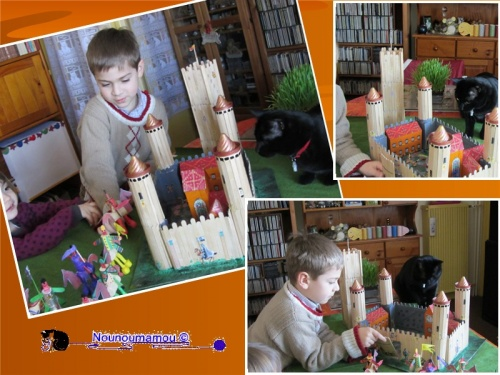 Baptiste et Clémence jouent avec le château