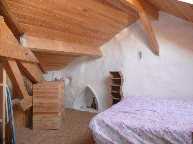 Intérieur du F3. La chambre 1.