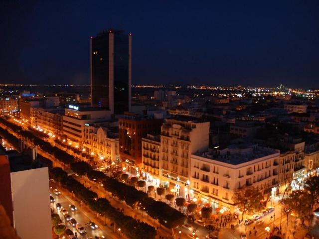 Avenue Habib Bourguiba la nuit