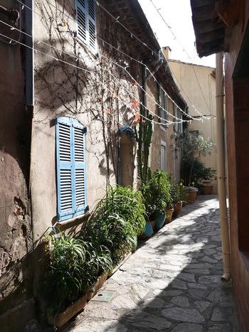 Une rue du vieux village