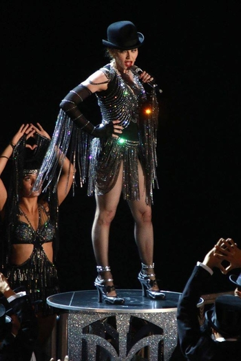 Rebel Heart Tour - 2015 09 16 - NYC (7)