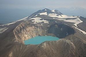1381165 5 f1a9 volcan-dans-la-region-d-ouzon-kamchatka