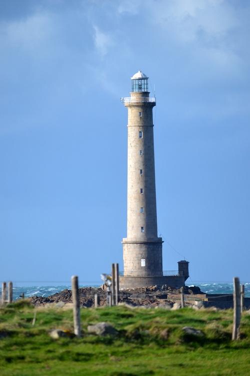 Suite de la baie d'Ecalgrain au phare de Goury