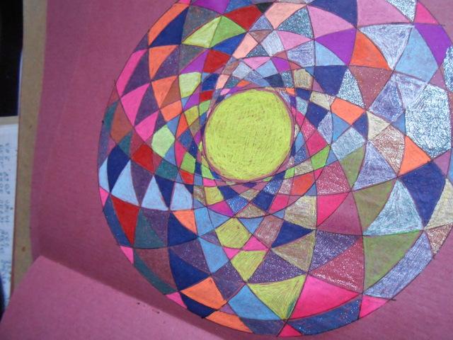 Blog de mimipalitaf : mimimickeydumont : mes mandalas au compas, la