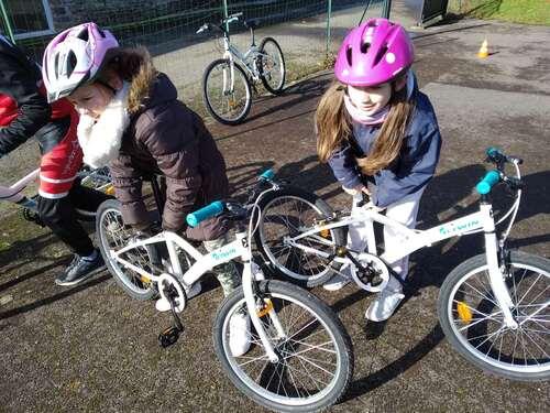 Les CM1 CM2 passent leur permis vélo !