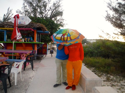 Ombrelle Poiré Guallino aux Bahamas