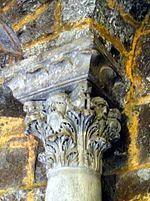 P1050632 Saintes-Maries-de-la-mer église chapiteau abside MH rwk.jpg