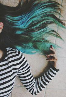 cheveux bleus et presque fin de vacances...